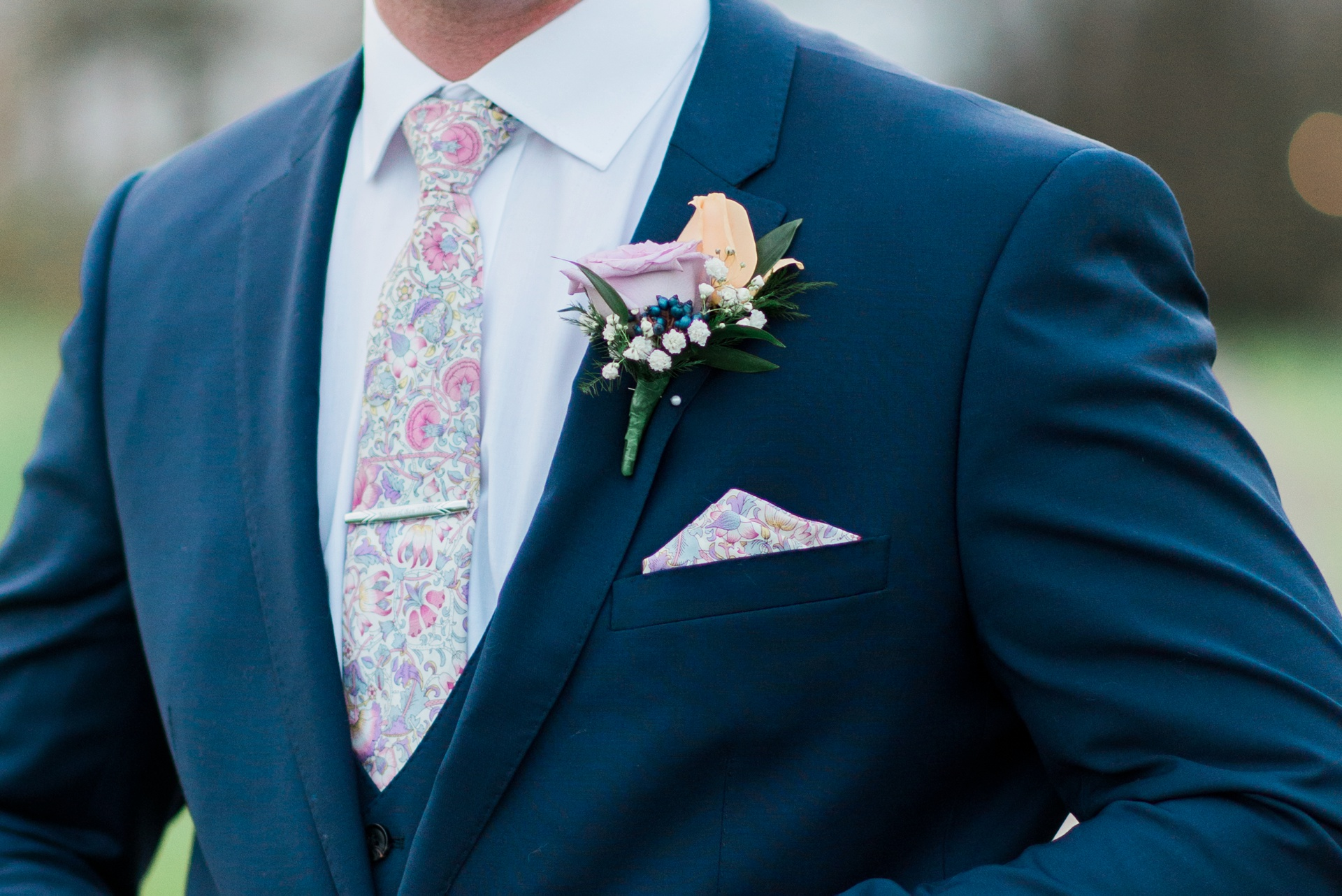 Grooms tie, pocket square and boutonniere