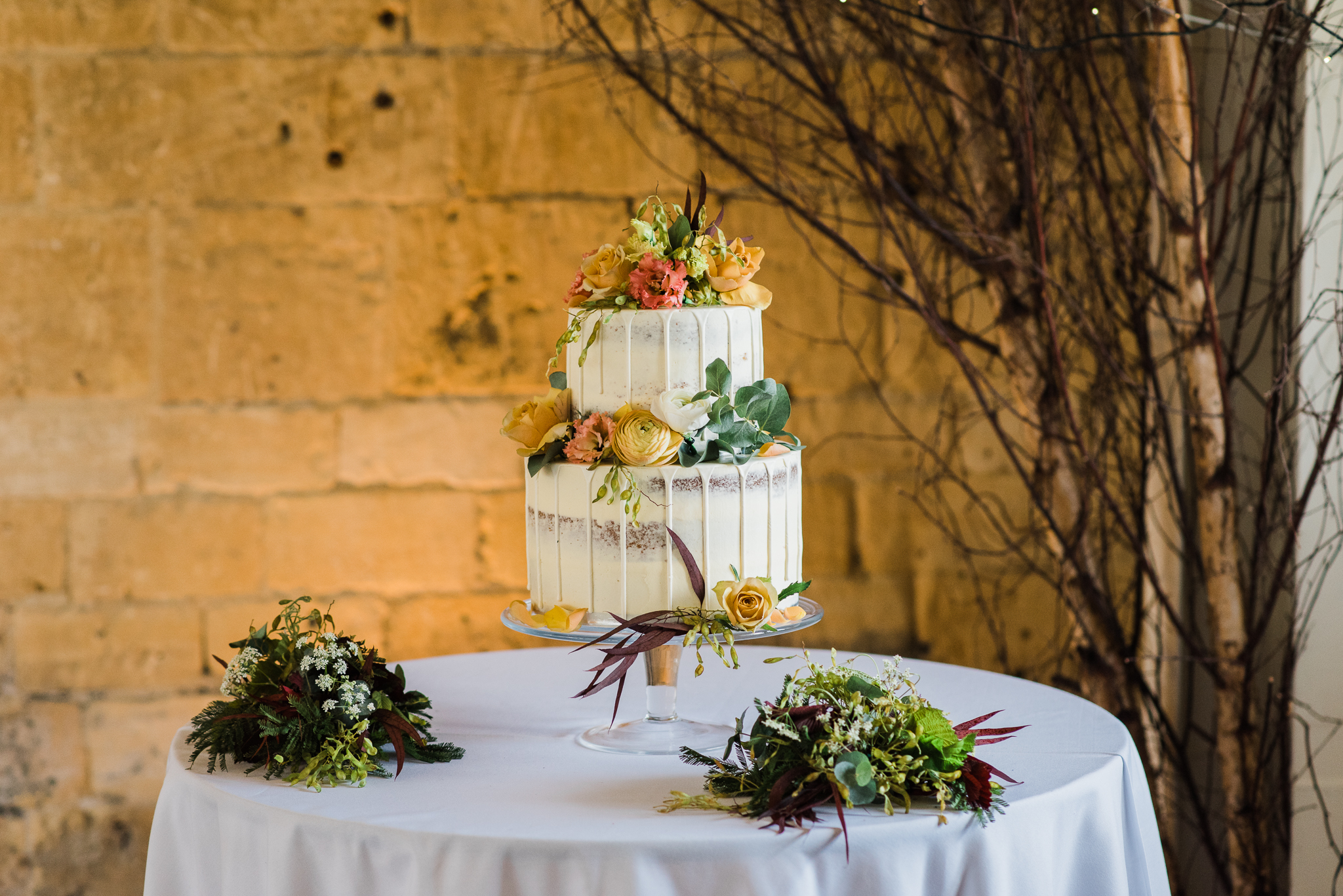 Wedding cake at Lapstone Barn wedding